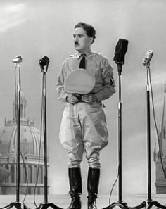 "Charles Chaplin en ""El Gran Dictador"" (The Great Dictator), 1940"