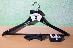 Perchas personalizadas de www.quevivalanovia.es Personalized Hangers, Wedding Inspiration, Bodas