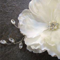 Custom Ivory wedding hair flower - Unfortunately no longer available. Pls contact for a custom order instead
