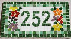 Numero Residencial em Mosaico, revestido em pastilha de vidro, para exterior e interior, feito sob encomenda nas cores de preferencia. R$ 165,00