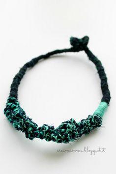 Da foulard a collana tribale con i nodi
