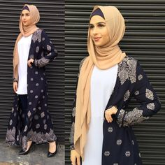 The Navy Vintage Kimono-Cardi. ✨ both stores open till today. Or direct message us to place your orders. Modest Outfits, Modest Fashion, Hijab Fashion, Stores Open, Female Outfits, Long Kimono, Vintage Kimono, Scarf Design, Abayas