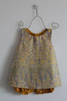 Petite robe argenté taille 6 mois et bloomer assortis par Nina Rosa Summer Dresses, Fashion, Silver Dress Outfits, 6 Months, Bloomer, Human Height, Summer Sundresses, Moda, Fashion Styles
