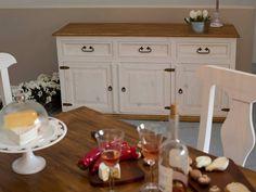 Bílý nábytek z kolekce SWEET HOME zrozená z lásky k nábytku a potřebě vytvořit něco, co by bylo unikátní a krásné. Při výrobě nábytku SWEET HOME jsme se inspirovali stylem Provence. Sweet Home, Provence, Buffet, Cabinet, Storage, Furniture, Home Decor, Clothes Stand, Purse Storage