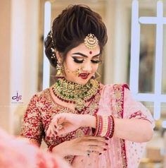 Trendy Ideas For Indian Bridal Bun Hairstyles Bridal Hairstyle Indian Wedding, Indian Wedding Makeup, Bridal Hair Buns, Best Bridal Makeup, Bridal Hairdo, Indian Wedding Hairstyles, Bridal Photoshoot, Bride Makeup, Bride Hairstyles