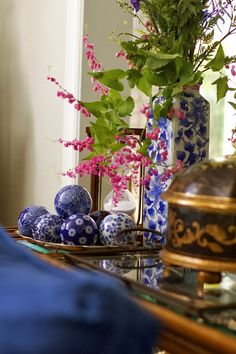 C.B.I.D. HOME DECOR and DESIGN: REFRESH- blue and white pottery