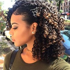 Natural Curls, Natural Hair Care, Natural Hair Styles, Natural Hair Accessories, Cheveux 3b, Easy Curls, Side Hairstyles, Curly Haircuts, Hairstyles For Curly Hair