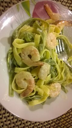 feelin Italian! pasta with prawns and olive oil