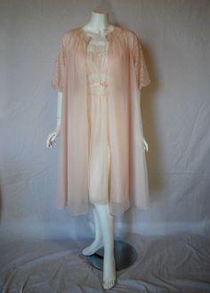 1950s Pink Vanity Fair Peignoir Set
