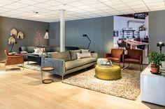 Design on stock Concept Store  bank Heelz en hoekbank Bloq in de nieuwe kleur stelling