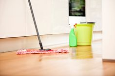 DIY natural Floor cleaner.  | #NaturualCleaners