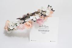 Handmade flower crown from Vienna. ❤ Exclusive custom made wedding crowns for brides ❤ Blumenkranz handgemacht in Wien anfertigen lassen. Boho, Handmade Flowers, Flower Crown, Place Card Holders, Bridesmaid, Design, Wedding, Wedding Bride, Floral Wreath