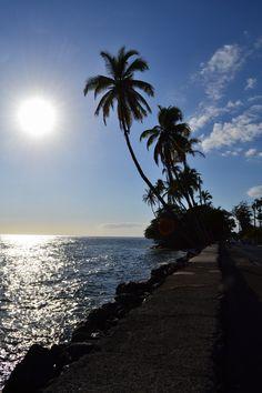 Watching the sun set in the beautiful town of Lahaina on Maui. Polynesian Islands, Hawaiian Islands, Cozumel Mexico, Blue Hawaii, Cruise Destinations, Through The Looking Glass, Beach Scenes, Big Island, Nature Photos