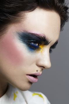 Super hair makeup artist make up ideas Makeup Fx, Runway Makeup, Hair And Makeup Artist, Makeup Inspo, Makeup Inspiration, Hair Makeup, Makeup Artists, Pink Makeup, Blue Eyeshadow Makeup
