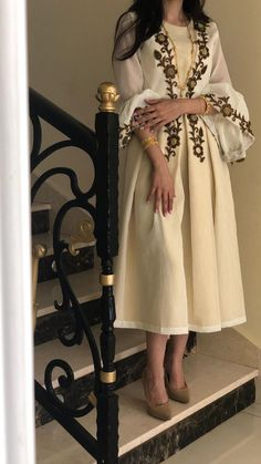 Iranian Women Fashion, Arab Fashion, Muslim Fashion, Hijab Fashion Summer, Modest Fashion, Fashion Dresses, Mode Abaya, Embroidery Dress, Stylish Dresses
