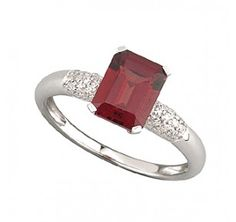 9ct White Gold Garnet And Diamond Ring Fraser Hart GBP150
