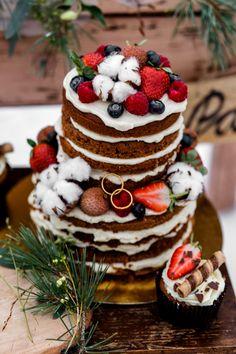 Herbstinspiration: Hochzeitsdeko mit Baumwolle - Hochzeitskiste Inspiration, Cake, Desserts, Food, Newlyweds, Good Ideas, Wedding Pie Table, Cotton, Projects