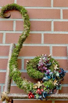 Herbstliche Moosspirale - Karin Urban - NaturalSTyle - My Garden Decor List Deco Floral, Arte Floral, Diy Nature, Garden Wallpaper, Wallpaper Harry Potter, My Flower, Flowers, Most Beautiful Gardens, Backyard Projects