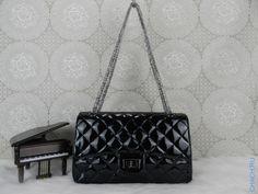 Сумка Chanel Flap Bag черная лаковая стеганая на цепочке