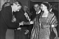 London's Guildhall attend anniversary celebration National Savings Committee- Sir Anthony Eden Crown Netflix, Sir Anthony, Female Head, Head Of State, Elisabeth, Save The Queen, Modern History, British Monarchy, Great British