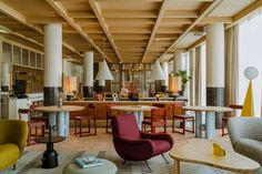 The glamour of Kraków's interwar cafes and the clean functionalism of its mid-century modern cinemas informed Paradowski Studio's renovation of the Puro Hotel. Grain Store, Oak Panels, Hotel Interiors, Hotel Lobby, Design Hotel, Krakow, Old Town, Mid-century Modern, Modern Spaces