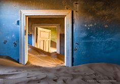Kolmanskop is a ghost town of German dimond miners in the Namib desert in southern Namibia. On of the greatest abandoned places i ever saw in my life! — in Kolmanskop, Namibia.