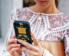 herve-leger-iphone-case-street-style  Hermans street-style- Hermans Fashion chic