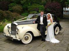 Beautiful 1948 Bentley MkVI cream & black wedding car from www.Classicbridalcars.net of Wirral