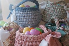 cute crocheted easter baskets..