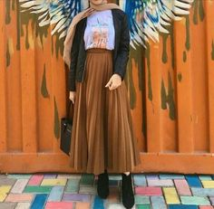 Trendy dress casual winter hijab Source by fashion hijab Modern Hijab Fashion, Street Hijab Fashion, Muslim Fashion, Skirt Fashion, Fashion Outfits, Emo Fashion, Stylish Outfits, Fashion Ideas, Hijab Casual