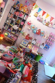 Caravane Faubourg boutique interior, Paris. Poétique pour Enfants. Concept store, Deco, Cadeaux, Naissances.