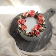 May eve flower cake  #플라워케이크 #플라워케익#koreanflowercake #flowercake #buttercream…