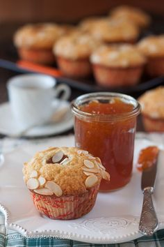 muffins apricots and almonds