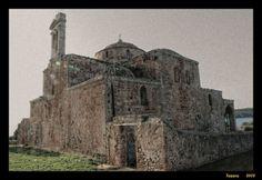 Ο ναός της Μεταμόρφωσης Σωτήρος καστρο Πυλος Contemporary Architecture, Mount Rushmore, Mountains, Places, Nature, Travel, Naturaleza, Viajes, Modern Architecture