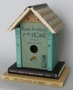 Love all bird houses inside and outside