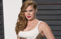 """NY Times: Amy Adams knew she was being paid less for """"American Hustle."""""""
