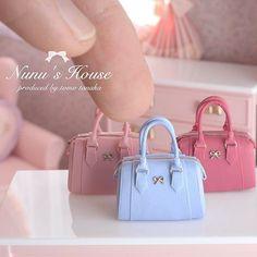 nunu's house - by tomo tanaka - Barbie E Ken, Barbie Dolls, Miniature Crafts, Miniature Dolls, Doll Crafts, Diy Doll, Mini Purse, Mini Bag, Lps Accessories
