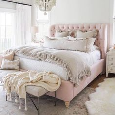 35 Amazingly Pretty Shabby Chic Bedroom Design and Decor Ideas - The Trending House Glam Bedroom, Cozy Bedroom, Home Decor Bedroom, Bedroom Furniture, Diy Home Decor, Bedroom Ideas, Bedroom Designs, Modern Bedroom, Contemporary Bedroom
