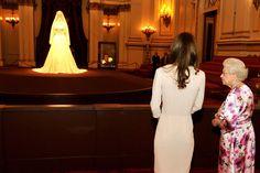 Norman Hartnell   Castigo de Dior: El modisto de la Re   Kate and The Queen