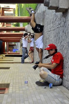 Mind Blowing Picture, the whole picture changed when I concentrated on the guy taking a pic of the bottle??