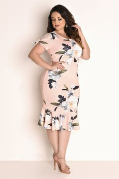 Shop Sexy Trending Dresses – Chic Me offers the best women's fashion Dresses deals Plus Size Summer Outfit, Plus Size Summer Dresses, Plus Size Outfits, Moda Plus Size, Plus Size Girls, Plus Size Women, African Fashion Dresses, Fashion Outfits, Plus Size Clothing Stores