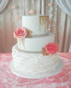 "Coral gold cake"" https://www.facebook.com/macaron.pasteleriafina/"