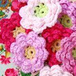 20+ *free* crochet flower patterns - pretty embellishments or garlands #DIY #craft #crochet