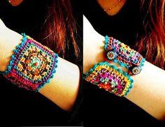 Granny square Chic Crochet bracelet by DusdeeCreations on Etsy Love Crochet, Crochet Granny, Bead Crochet, Beautiful Crochet, Diy Crochet, Crochet Crafts, Yarn Crafts, Crochet Projects, Diy Crafts