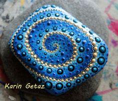 pintar rocas rocas de mandala piedra pintada roca por KarinGetazArt