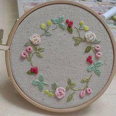 꽃리스 #꽃과열매 #프랑스자수 #embroidery #자수