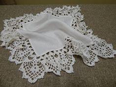 Orilla o Puntilla en cuatro esquinas con 9 vueltas tejida a la tela para cualquier proyecto ya sea mantel servilleta manta cobija capa chal poncho cortina ca...