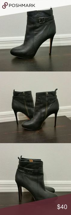 """ANN TAYLOR 
