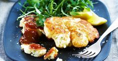 These super tasty cauliflower & feta fritters are perfect for lunch or dinner. could replace the wheat flour with coconut flour Vegetarian Cooking, Vegetarian Recipes, Cooking Recipes, Healthy Recipes, Weekly Recipes, Banting Recipes, Vegetarian Dinners, Savoury Recipes, Ww Recipes