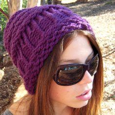 Women's slouchy hat knifty knitter loom pattern door AvaGirlDesigns